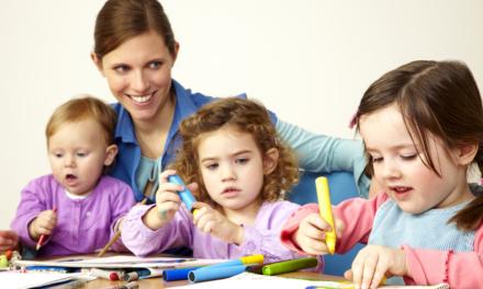 Tagesmutter servizio di cura per l'infanzia e i bambini